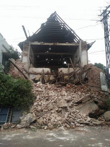 The 600-year-old Kadavumbhagam synagogue in Mattancherry that collapsed on Tuesday.